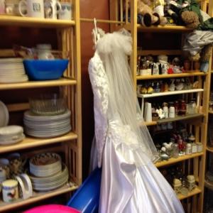 Dish Sets, Wedding Dress, Salt & Pepper Shakers