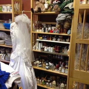 Wedding Dress, Salt & Pepper Shakers, Dish Sets